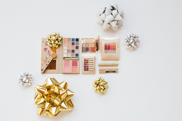 eatsleepwear, Kimberly Pesch, Stila, Holidays, Giveaway, Makeup