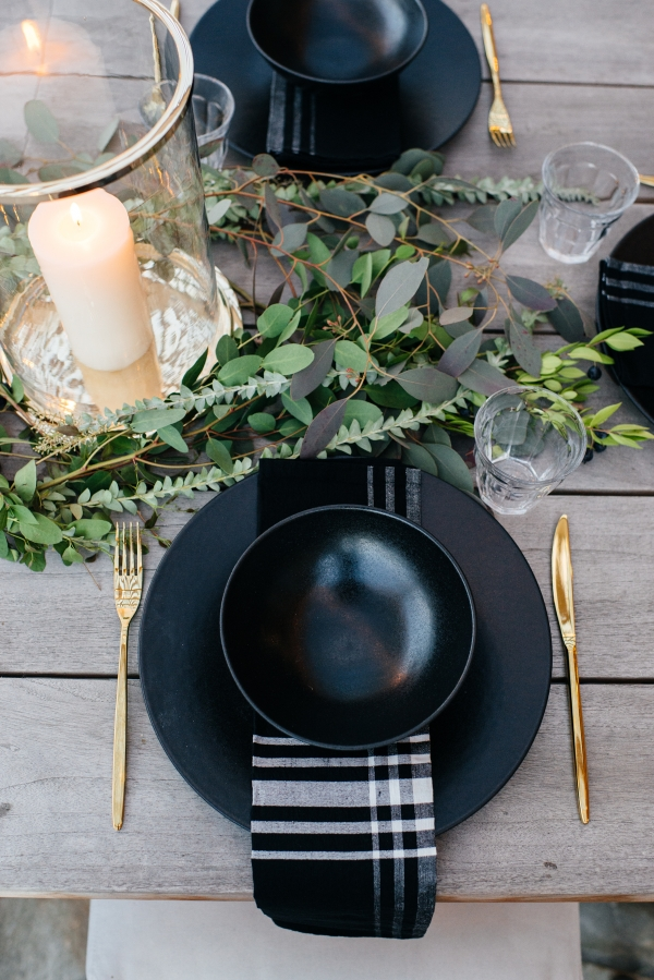 Thanksgiving Hosting Tips Eat Sleep Wear Fashion