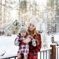 eatsleepwear, Kimberly Lapides, TRAVEL, Family, Motherhood, Big Bear, Snow, Aritzia, Gap, Ugg, HM