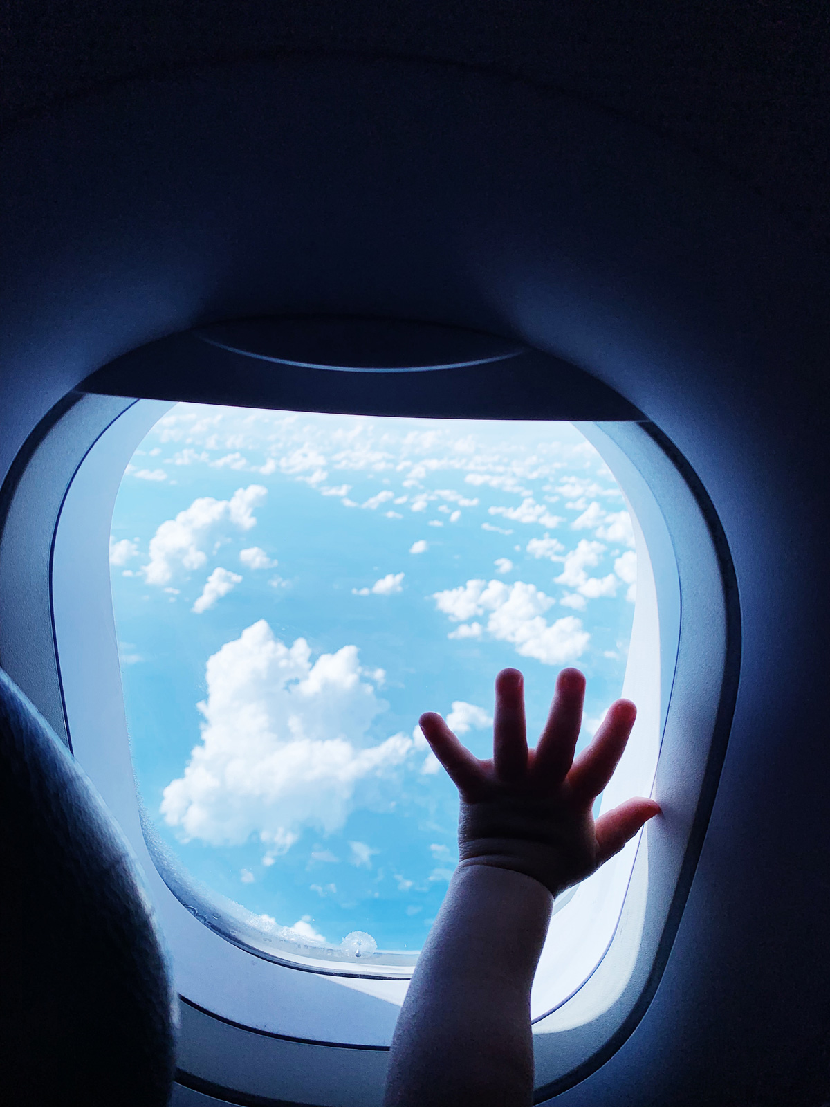FLYING WITH A BABY – TIPS FOR TRAVELING WITH A BABY