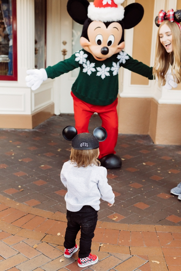 eatsleepwear kimberly lapides The holidays at Disneyland Resort Mickey Mouse