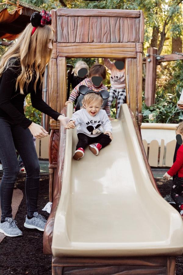 eatsleepwear kimberly lapides The holidays at Disneyland Resort toon town toddlers