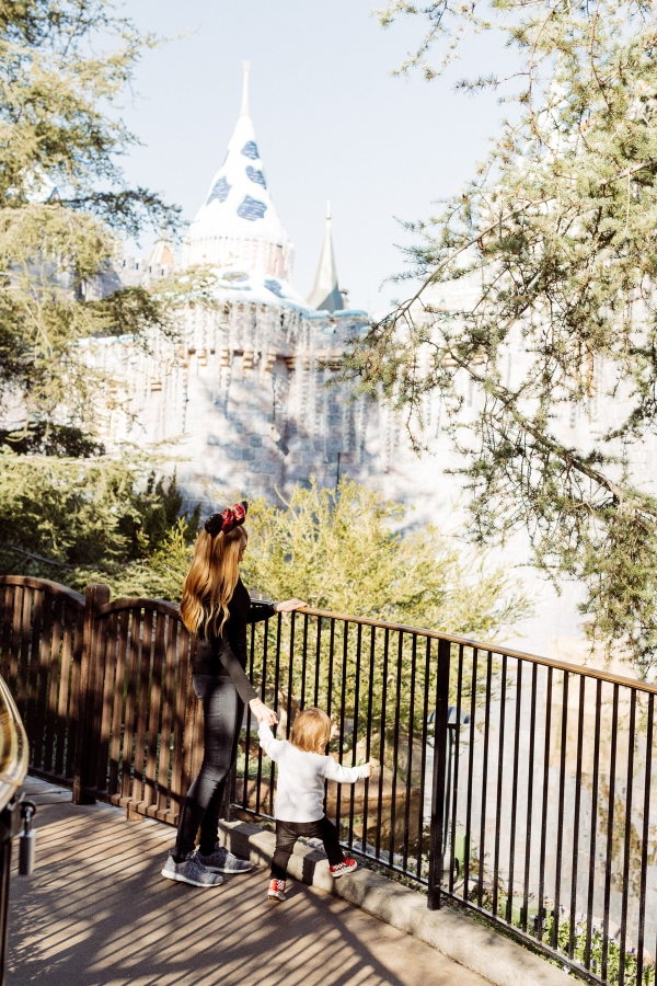 eatsleepwear kimberly lapides The holidays at Disneyland Resort at sleeping beauty