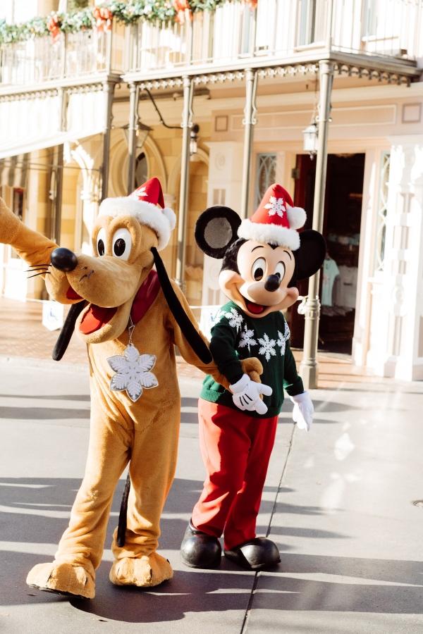 eatsleepwear kimberly lapides The holidays at Disneyland Resort at main street usa holiday decor Mickey Mouse and Pluto