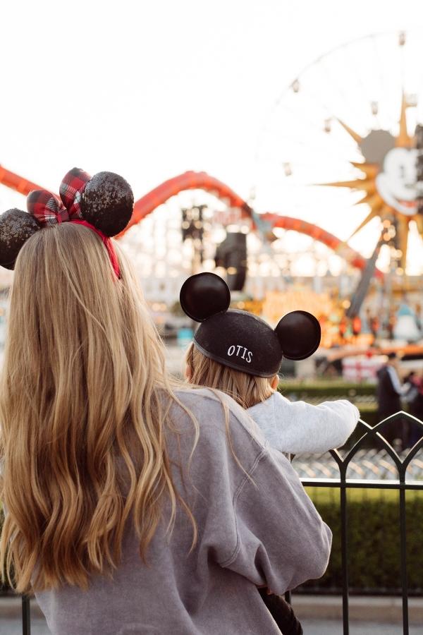 eatsleepwear kimberly lapides The holidays at Disneyland Resort and Disney