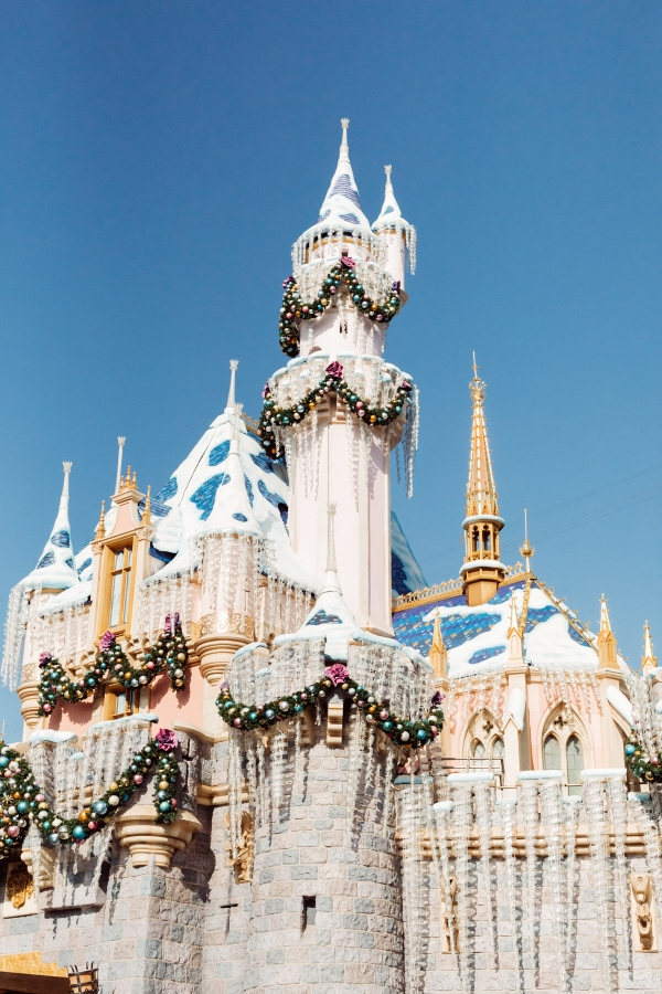 eatsleepwear kimberly lapides The holidays at Disneyland Resort holiday decor sleeping beauty