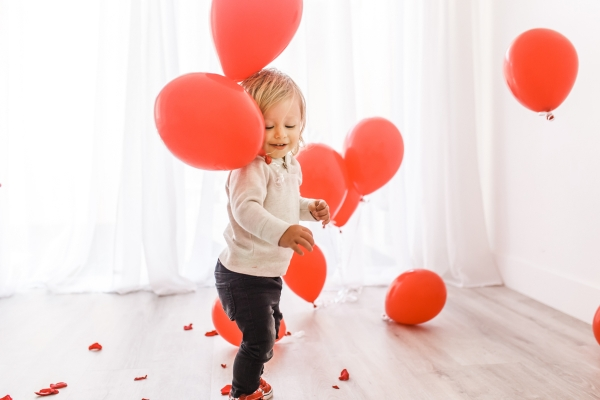 Toddler Valentine Photos with balloons and roses for Kimberly Lapides of eatsleepwear featuring Old Navy Kids, H&M kids and Vans