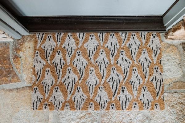 Light up ghost door mat for Fall & Halloween Decor For Patio & Yard